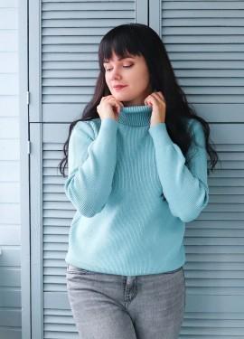 Теплый трикотажный свитер