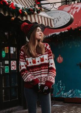 Рождественский свитер с праздничным настроением