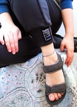 Браслет на ногу с подвеской в виде буквы