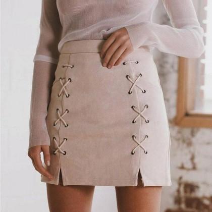 Замшевая юбка на шнуровке