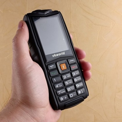 Неубиваемый телефон с защитой IP68 за 24, какой он? Обзор телефона VKWorld New Stone V3
