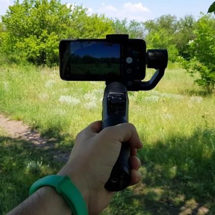 Hohem iSteady Mobile: трехосевой стабилизатор для смартфонов