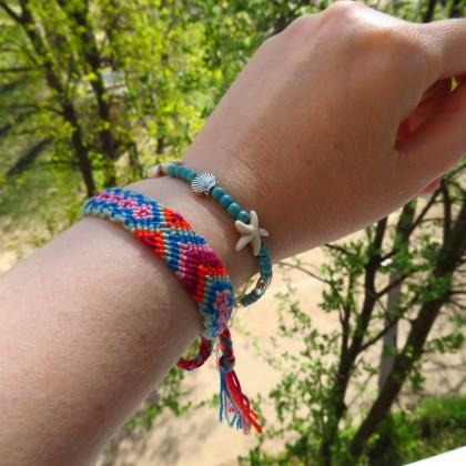 Яркие браслеты в стиле Бохо для летнего отдыха