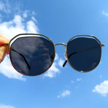 Классные солнцезащитные очки с защитой UV400