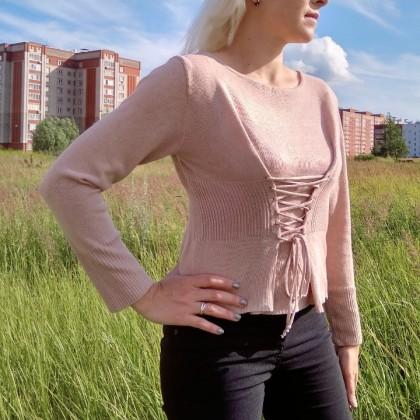 Нежный трикотажный пуловер от Simplee