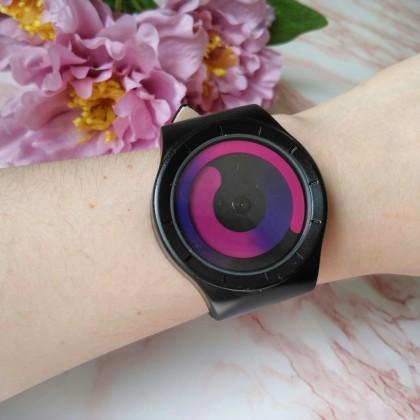 Кварцевые часы от бренда Gorben