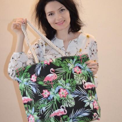 Вместительная сумка с тропическим принтом и розовым фламинго