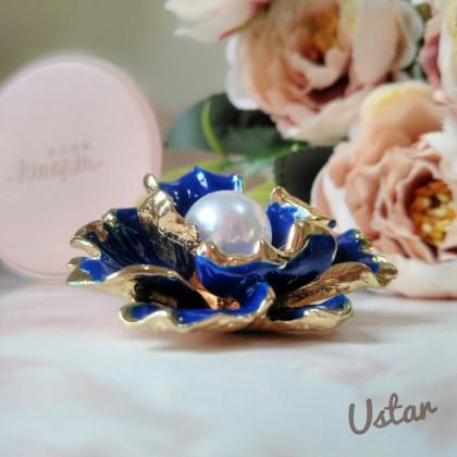 Брошка-цветок от бренда USTAR