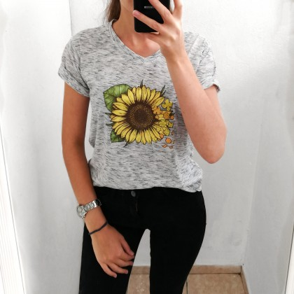 Классная футболка от TT Women Store
