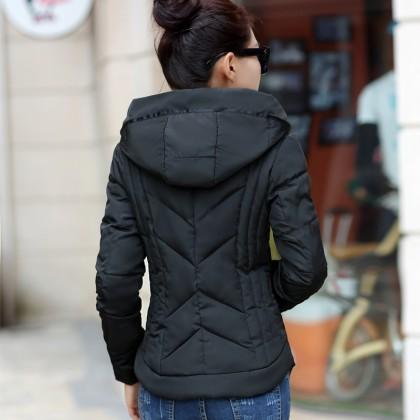 Женская куртка на холодную осень.