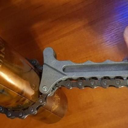 Универсальный цепной ключ. Снятие масляного и топливного фильтра