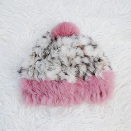 Теплая шапочка из меха кролика