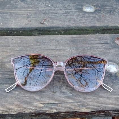 Стильные, недорогие солнечные очки
