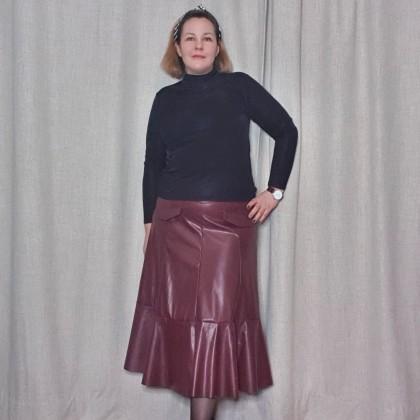 Стильная юбка миди из искусственной кожи