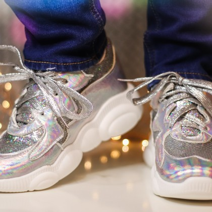 Красивые блестящие кроссовки EshtonShero