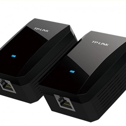 Интернет и WI-Fi через розетку без лишних проводов!