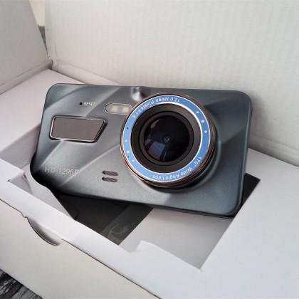 Недорогой автомобильный 1080р видеорегистратор