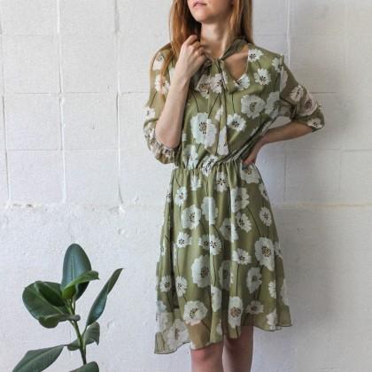 Летнее платье приятного нежно-зеленого цвета
