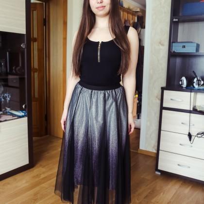 Эффектная юбка длины миди с градиентом