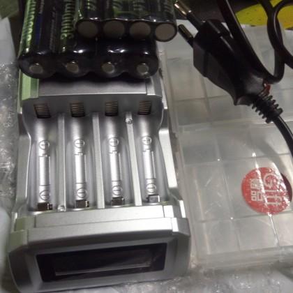 Зарядное устройство и аккумуляторы