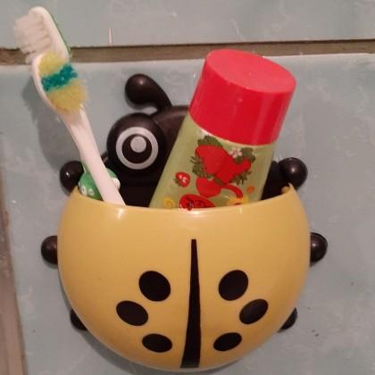 Детские держатель для зубных щеток и песочные часы