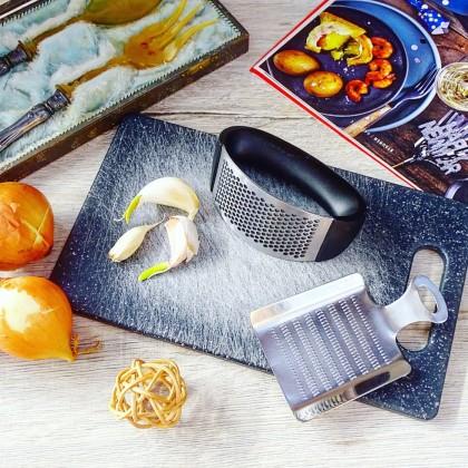 Удобный гаджет для кухни - ручной пресс для чеснока, видео
