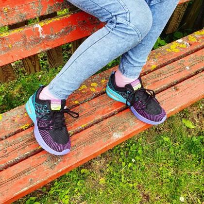 Отличные кроссовки