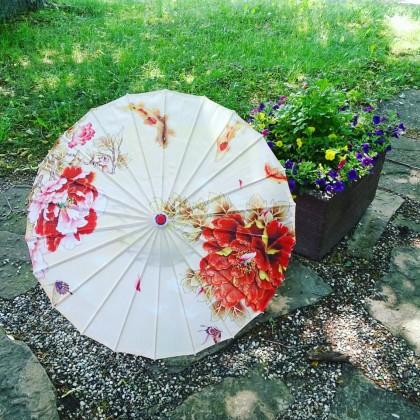Потрясающей красоты зонт