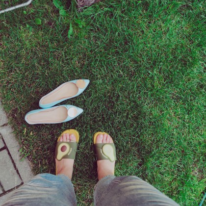 Распаковка и примерка двух пар обуви с Алиэкспресс.