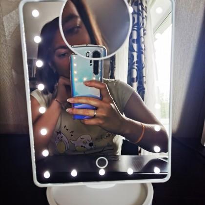 Зеркало для макияжа с подсветкой и 10-х увеличением