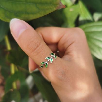 Аккуратное и очень красивое кольцо