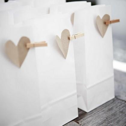 Парные подарки на День Всех Влюбленных.