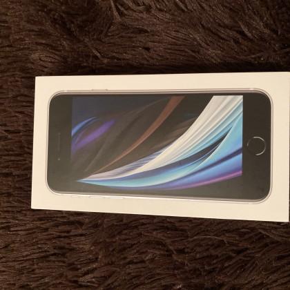 Айфон SE 2 поколения
