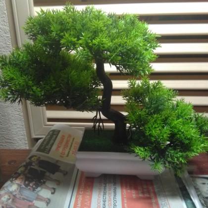 """Искусственное дерево """"Бансай""""."""