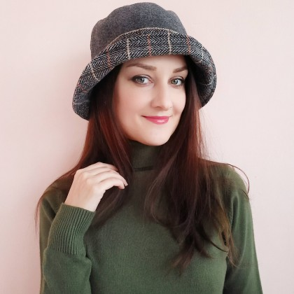 Шляпа для женщин от JETONSA