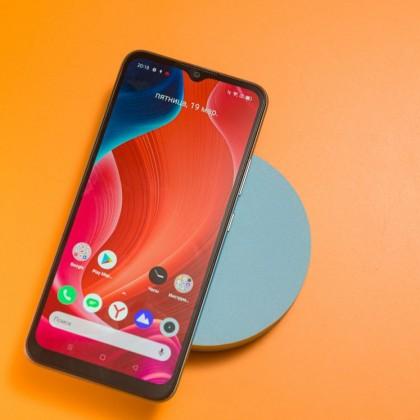 Realme C21: практичный бюджетный смартфон