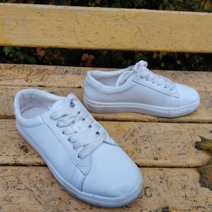 Белые кроссовки женские на шнурках Malemonkey