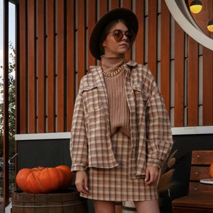 Готовый стильный образ. Клетчатый комплект из юбки и рубашки