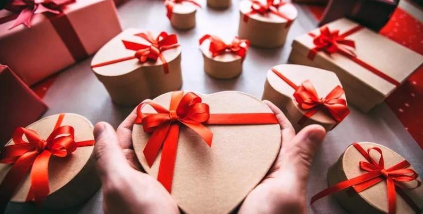Что подарить девушке на 14 февраля: Идеи подарков на День святого Валентина - отзыв покупателя