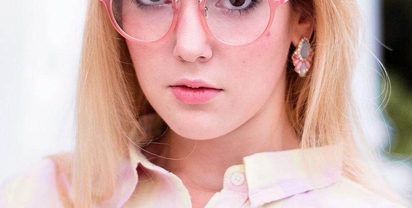 РОЗОВЫЕ ОЧКИ в стиле Barbie для милых девушек и.... экстравагантных парней :D