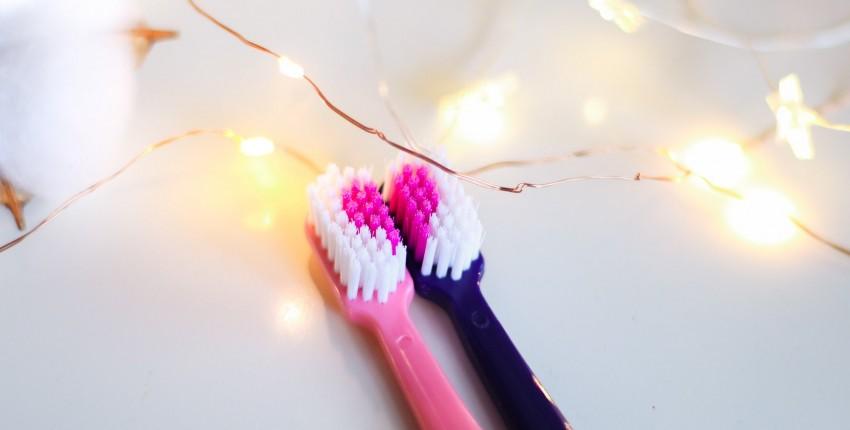 Зубные щетки для влюбленных