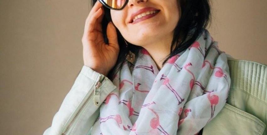 Модные, стильные солнцезащитные очки защитят мои глаза от майских лучей.