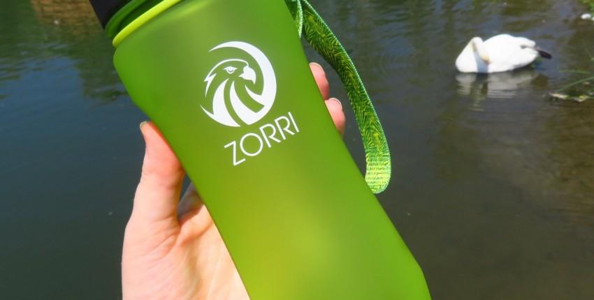 Крутая бутылка для воды для активных людей