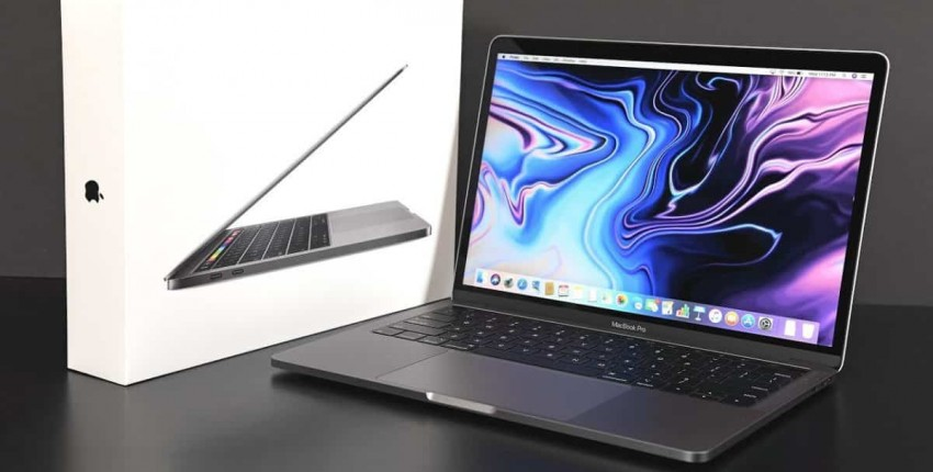 "Macbook Pro 13 ""i5 8G 256G с сенсорной панелью"