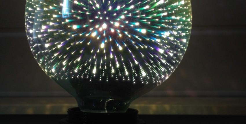 3D Decoration Led Light Bulb emulating Fireworks