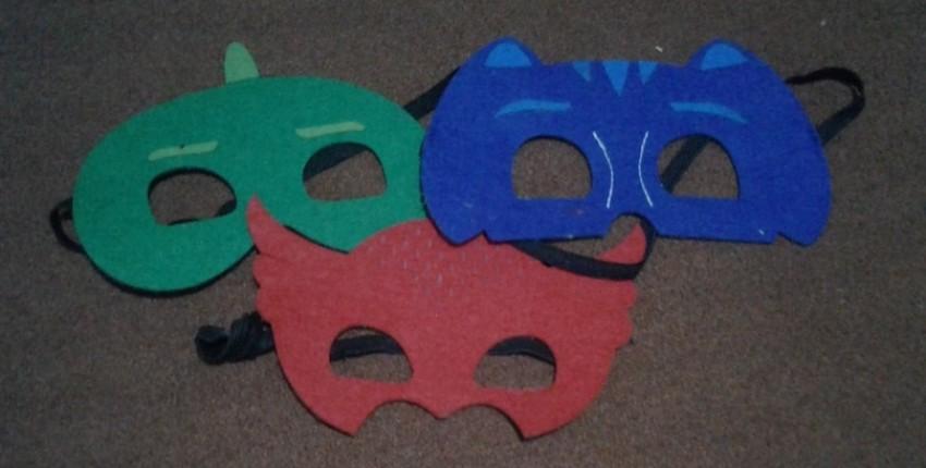 Герои в масках спешат.