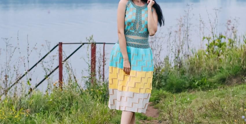Хорошенькое трикотажное платье SMTHMA