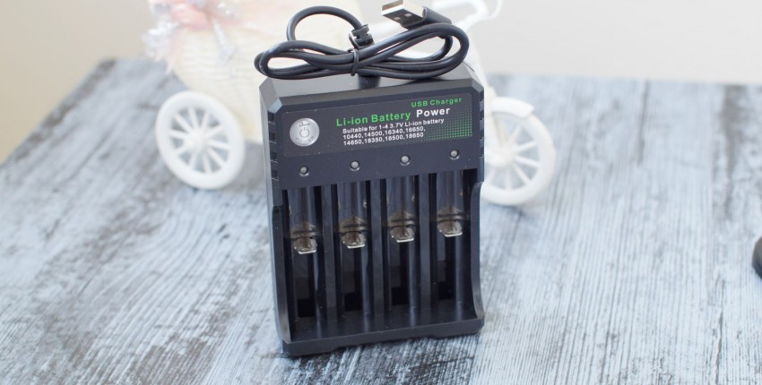 USB зарядное устройство для Li-ion аккумуляторов - отзыв покупателя
