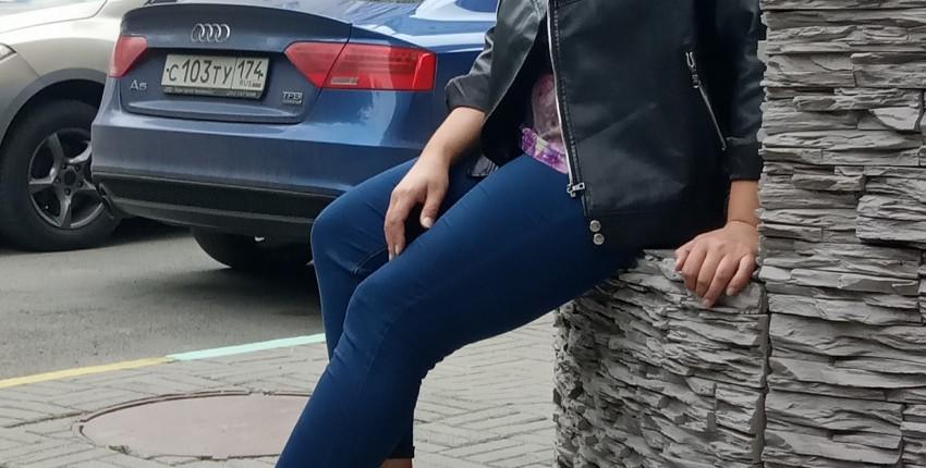 Черная косуха из искусственной кожи от бренда Sungtin с Алиэкспресс.