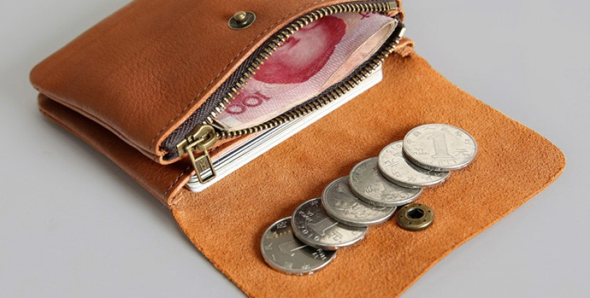 Красивый кошелек из натуральной кожи в разных оттенках